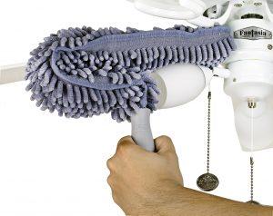 Fan blade duster